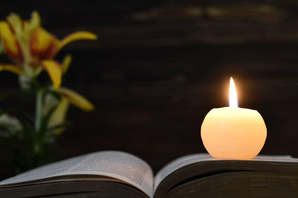 Candle-Bible
